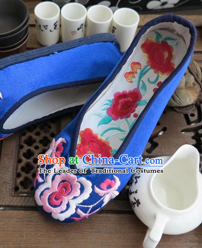 Traditional Chinese National Blue Silk Shoes Embroidered Shoes, China Handmade Shoes Hanfu Embroidery Peony Shoes for Women