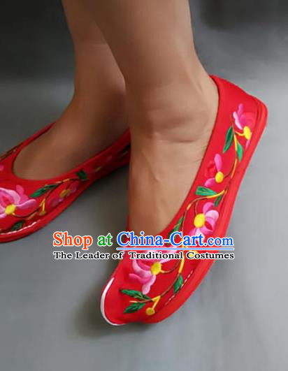 Traditional Chinese National Red Cloth Shoes Embroidered Shoes, China Handmade Shoes Hanfu Embroidery Lotus Shoes for Women