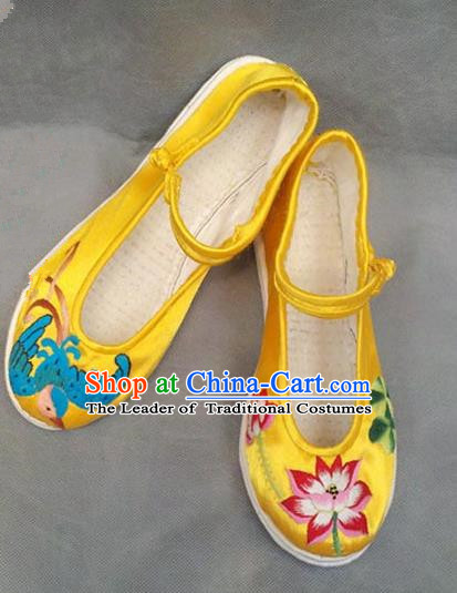 Traditional Chinese National Yellow Satin Shoes Embroidered Shoes, China Handmade Shoes Hanfu Embroidery Lotus Shoes for Women