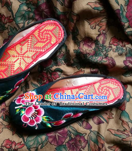 Traditional Chinese National Embroidered Shoes Handmade Green Satin Slippers, China Hanfu Embroidery Flowers Wedding Shoes for Women