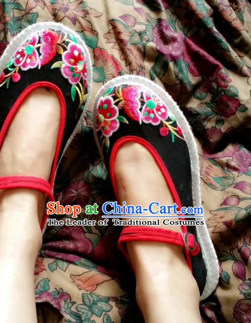 Traditional Chinese National Embroidered Shoes Handmade Black Cloth Shoes, China Hanfu Embroidery Flowers Shoes for Women