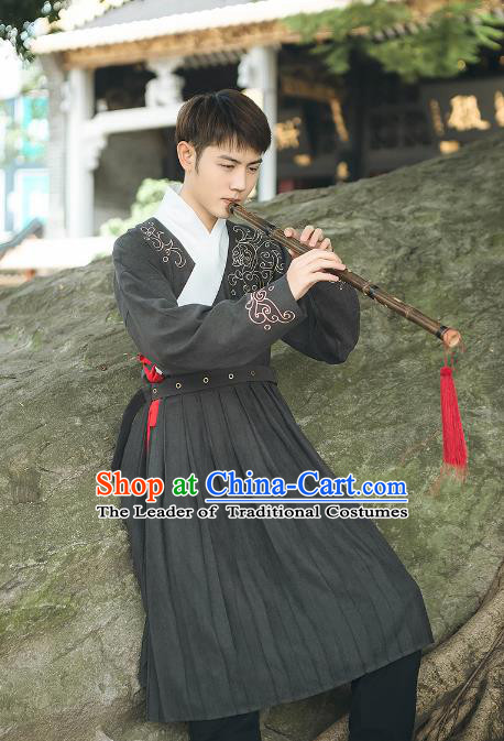 Asian China Ming Dynasty Swordsman Embroidered Costume, Traditional Ancient Chinese Elegant Hanfu Black Robe Clothing for Men