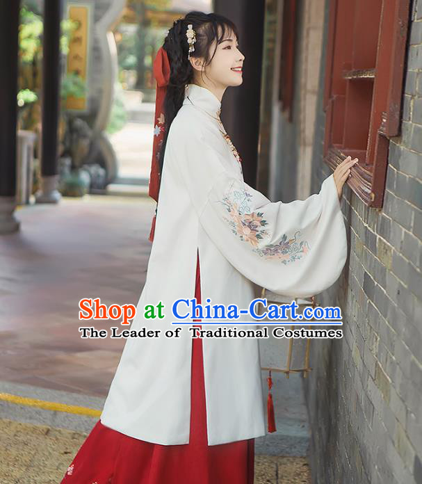 Asian China Ming Dynasty Princess Embroidered White Long Robe, Traditional Ancient Chinese Palace Lady Elegant Hanfu Clothing for Women