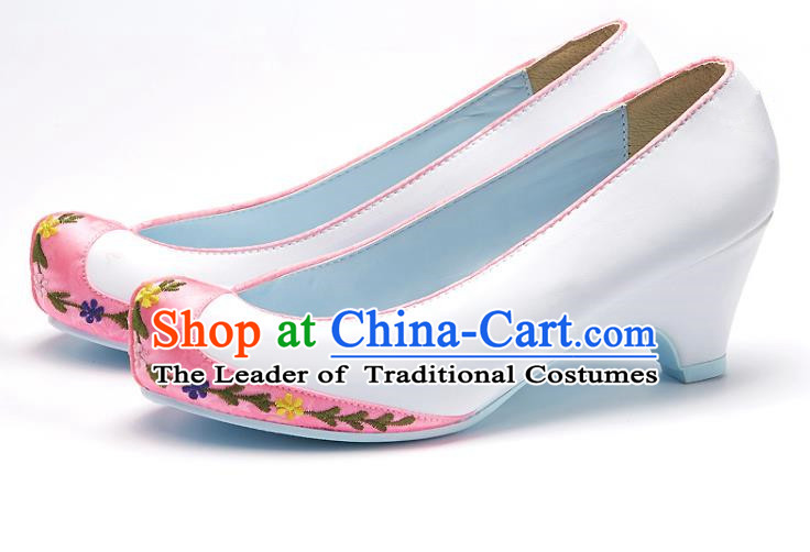 Traditional Korean National Wedding Pink Head Embroidered Shoes, Asian Korean Hanbok Bride Embroidery Satin High-heeled Shoes for Women
