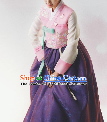 Korean National Handmade Formal Occasions Wedding Bride Clothing Hanbok Costume Embroidered Pink Blouse and Purple Dress for Women