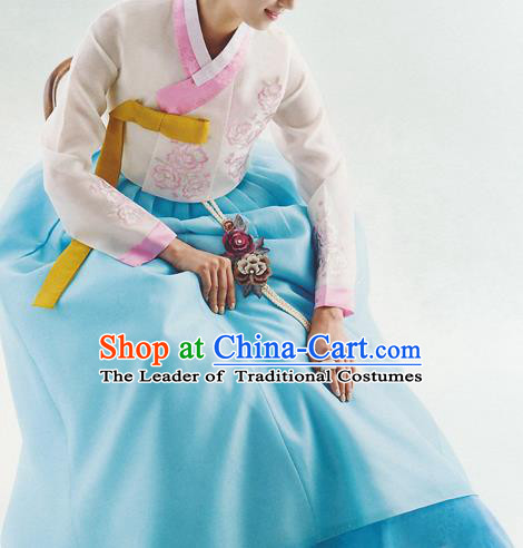 Korean National Handmade Formal Occasions Wedding Bride Clothing Hanbok Costume Embroidered Pink Blouse and Blue Dress for Women