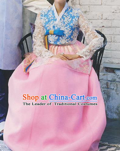 Korean National Handmade Formal Occasions Wedding Bride Clothing Hanbok Costume Embroidered Blue Lace Blouse and Pink Dress for Women