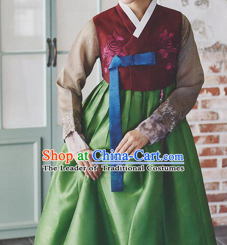 Korean National Handmade Formal Occasions Wedding Bride Clothing Hanbok Costume Embroidered Wine Red Blouse and Green Dress for Women