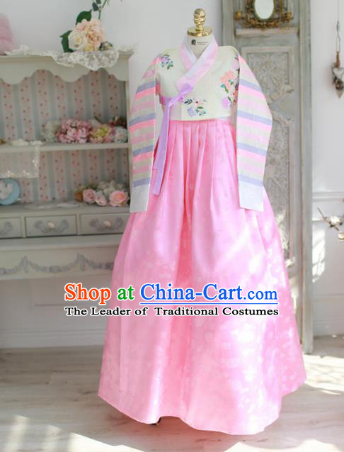 Korean National Handmade Formal Occasions Bride Clothing Hanbok Costume Embroidered White Blouse and Pink Dress for Women