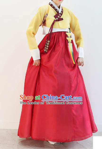 Asian Korean National Handmade Wedding Clothing Palace Bride Hanbok Costume Embroidered Yellow Blouse and Red Dress for Women