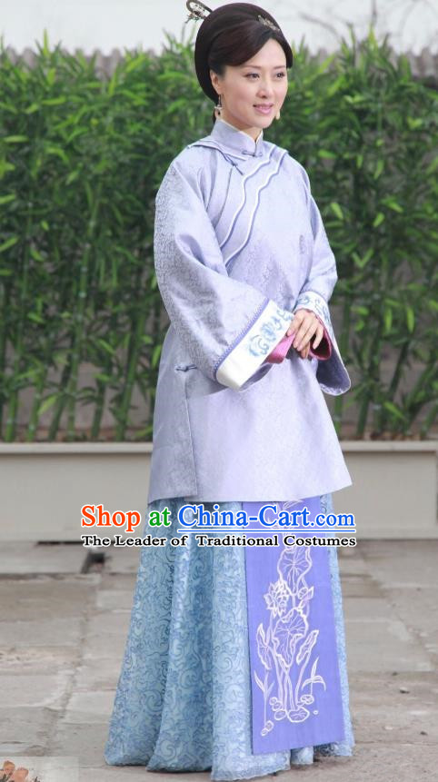 Traditional Chinese Qing Dynasty Nobility Lady Xiuhe Suit, China Ancient Manchu Lady Embroidered Dress Costume for Women