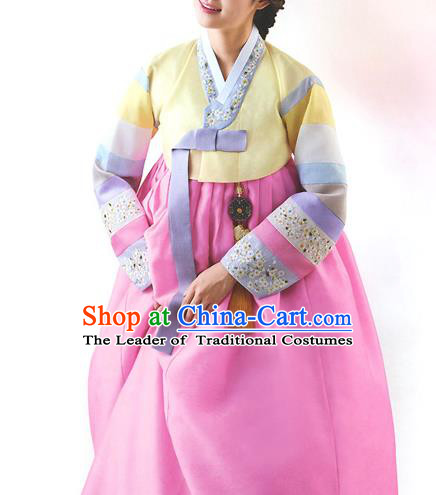 Top Grade Korean National Handmade Wedding Palace Bride Hanbok Costume Embroidered Yellow Blouse and Pink Dress for Women