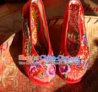 Asian Chinese Traditional Wedding Shoes Red Embroidered Shoes, China Peking Opera Embroidery Peony Shoes Hanfu Shoes for Women