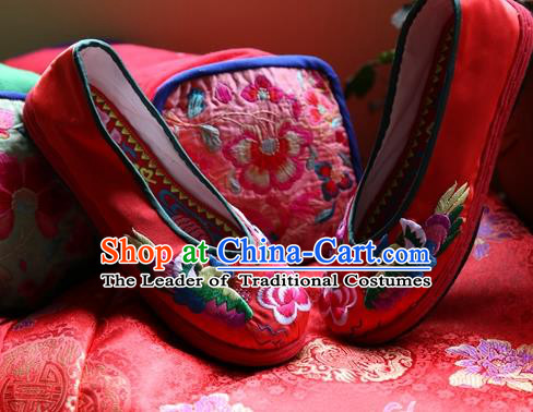 Asian Chinese Traditional Wedding Shoes Red Embroidered Shoes, China Peking Opera Hand Embroidery Mandarin Duck Shoe Hanfu Shoes for Women