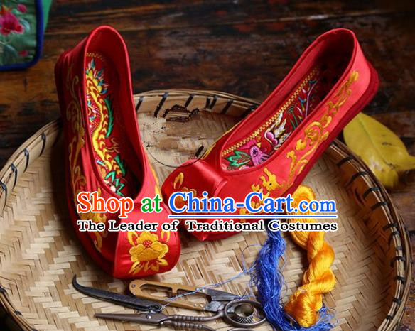 Asian Chinese Traditional Shoes Red Wedding Embroidered Shoes, China Peking Opera Hand Embroidery Shoe Hanfu Princess Shoes for Women