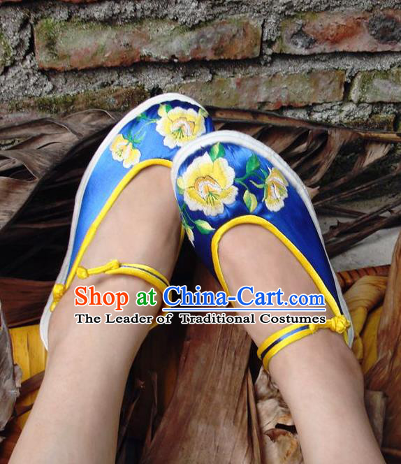 Asian Chinese Traditional Shoes Wedding Bride Blue Embroidered Shoes, China Peking Opera Handmade Embroidery Hanfu Shoes for Women