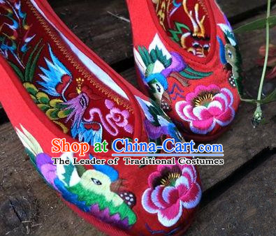 Asian Chinese Traditional Shoes Wedding Bride Red Embroidered Shoes, China Peking Opera Handmade Embroidery Flowers Hanfu Shoes for Women