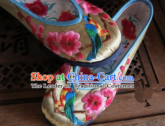 Asian Chinese Traditional Shoes Wedding Golden Embroidered Shoes, China Peking Opera Hand Embroidery Wintersweet Shoe Hanfu Princess Shoes for Women