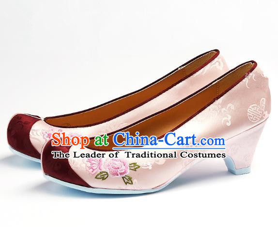 Traditional Korean National Embroidered Shoes, Asian Korean Hanbok Light Pink Wedding Shoes for Women