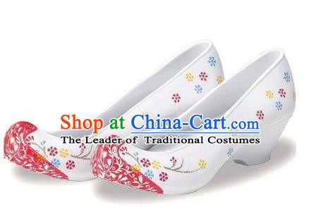 Traditional Korean National Embroidered Shoes, Asian Korean Hanbok White Wedding Bride Shoes for Women