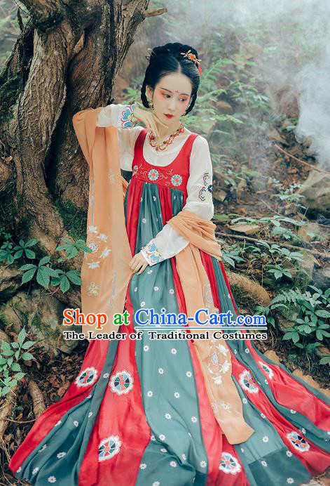Asian China Tang Dynasty Young Lady Costume, Traditional Ancient Chinese Princess Hanfu Embroidered Clothing for Women