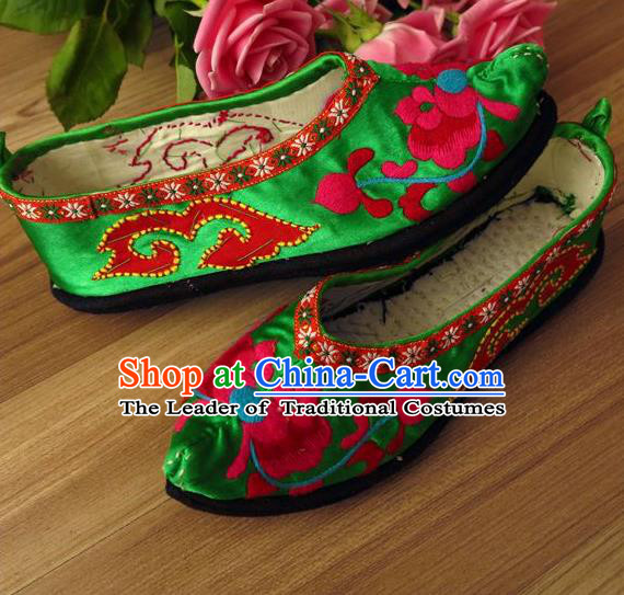 Traditional Chinese Ancient Princess Shoes Green Cloth Embroidered Shoes, China Handmade Embroidery Flowers Hanfu Shoes for Women