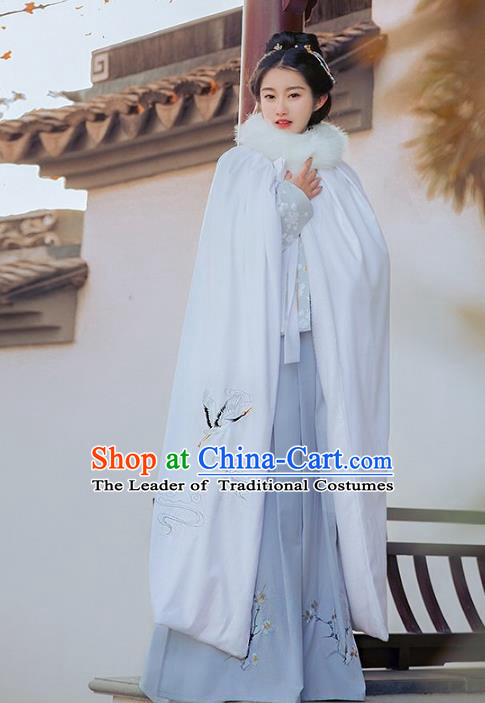 Traditional Chinese Ming Dynasty Young Lady Hanfu Costume Embroidered Crane White Long Cloak for Women