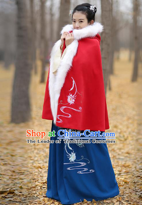 Traditional Chinese Ming Dynasty Young Lady Hanfu Costume Embroidered Red Wool Short Cloak for Women