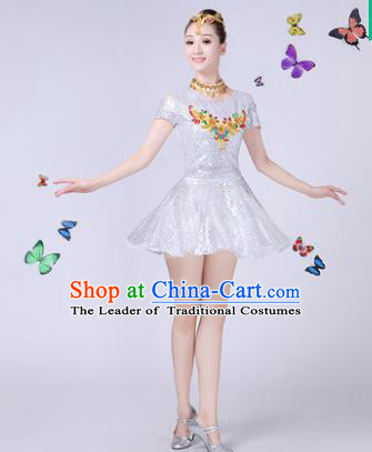 Traditional Chinese Modern Dance Opening Dance Jazz Dance White Paillette Clothing Folk Dance Chorus Costume for Women