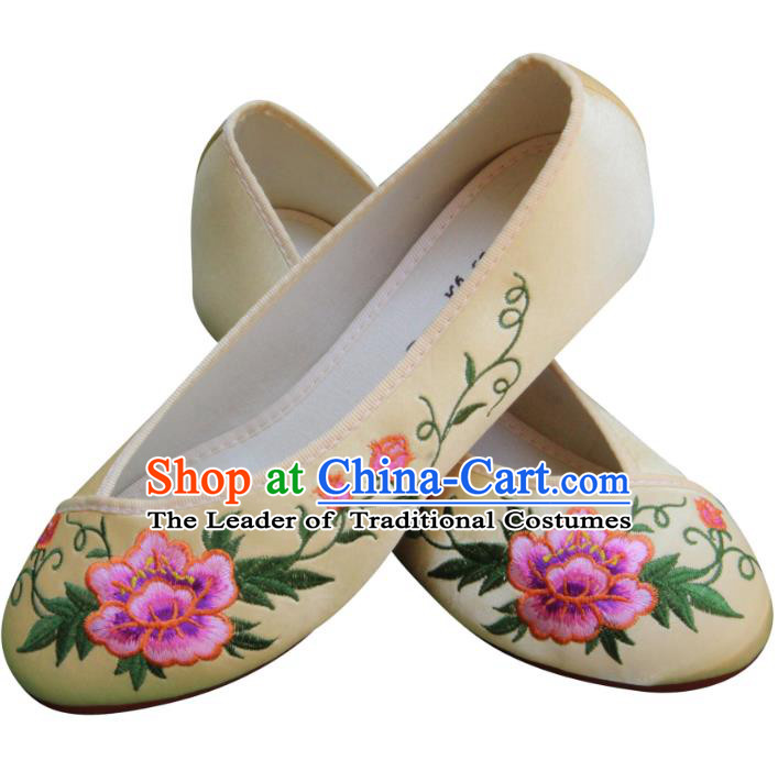 Traditional Chinese National Bride Yellow Embroidered Shoes, China Handmade Embroidery Peony Flowers Hanfu Cloth Shoes for Women