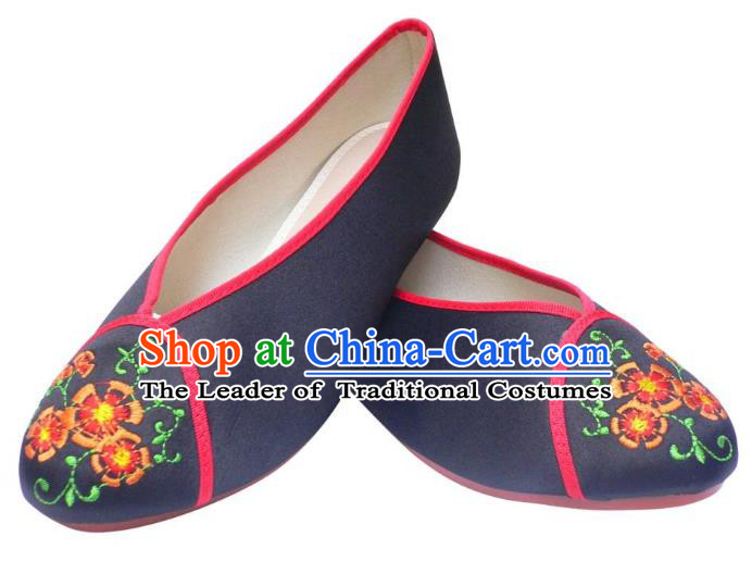 Traditional Chinese National Bride Black Embroidered Shoes, China Handmade Embroidery Flowers Hanfu Shoes for Women