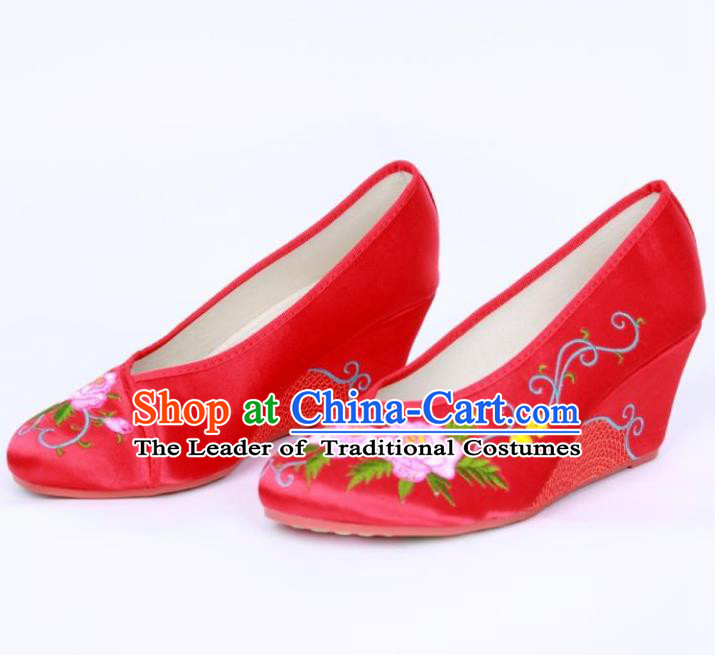 Traditional Chinese National Bride Red Xiuhe Suit Embroidered Shoes, China Handmade Embroidery Flowers Hanfu Shoes for Women