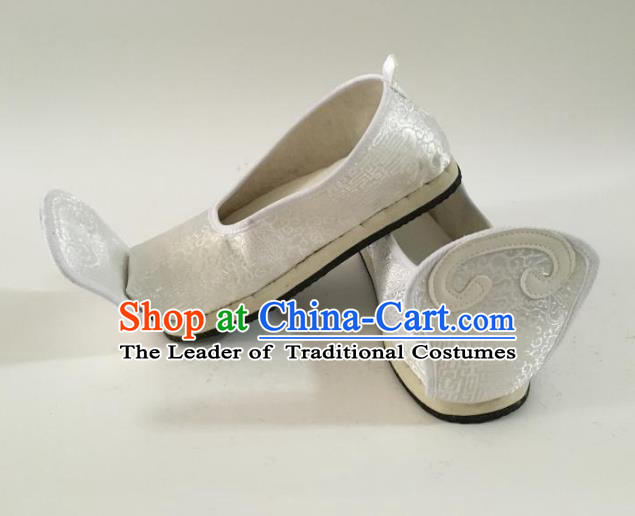 Traditional Chinese Ancient Han Dynasty Princess Embroidered White Blood Stained Shoes, China Handmade Hanfu Embroidery Shoes for Women