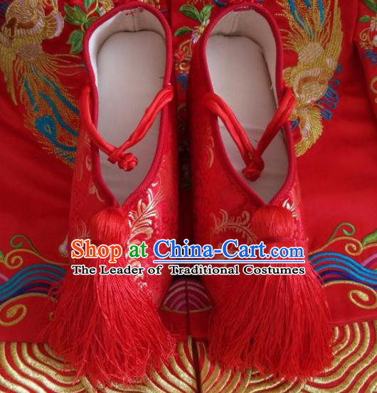 Traditional Chinese Ancient Han Dynasty Bride Red Embroidered Shoes, China Handmade Hanfu Wedding Embroidery Shoes for Women
