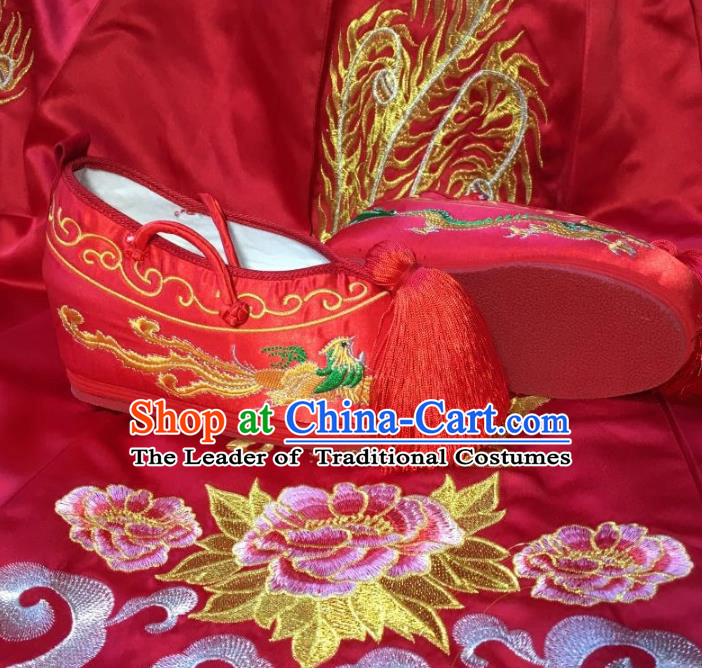 Traditional Chinese Ancient Bride Red Embroidered Shoes, China Handmade Wedding Princess Hanfu Embroidery Dragon and Phoenix Shoes for Women