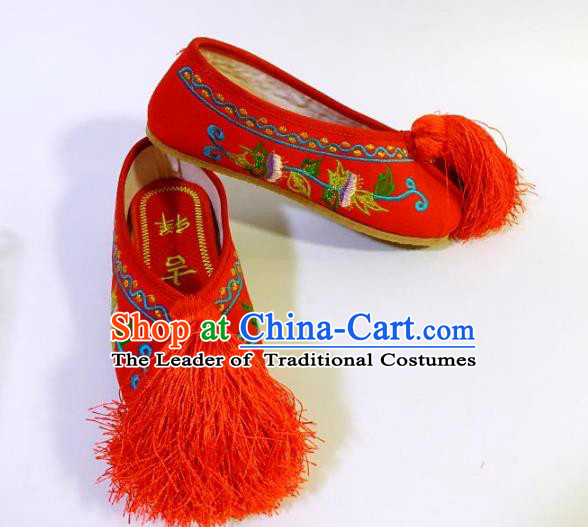 Traditional Chinese Ancient Red Blood Stained Shoes, China Handmade Peking Opera Diva Hanfu Embroidery Shoes for Women