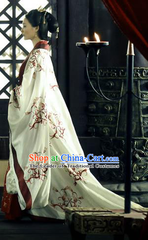 Traditional Ancient Chinese Costume, Elegant Hanfu Clothing, Chinese Han Dynasty Imperial Emperess Tailing White Embroidered Clothing for Women