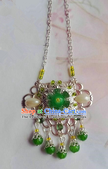Traditional Handmade Chinese Ancient Classical Accessories Necklace Green Pearl Longevity Lock for Women