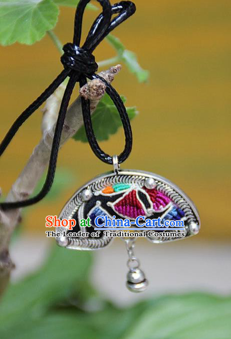 Traditional Chinese Miao Nationality Crafts, Hmong Handmade Miao Silver Embroidery Fish Pendant, Miao Ethnic Minority Necklace Accessories Bell Pendant for Women