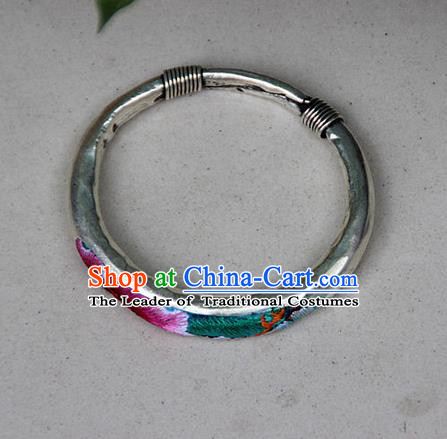 Traditional Chinese Miao Nationality Crafts Jewelry Accessory Bangle, Hmong Handmade Embroidery Bracelet, Miao Ethnic Minority Bracelet Accessories for Women