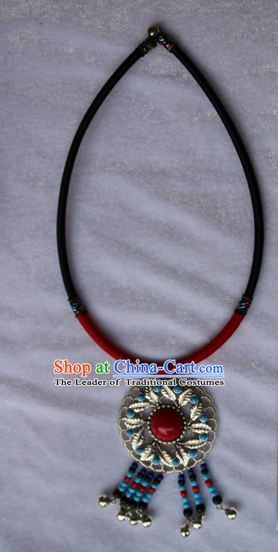 Traditional Chinese Miao Ethnic Minority Necklace, Hmong Handmade Sweater Chain, Miao Ethnic Jewelry Accessories Collarbone Chain Necklace for Women