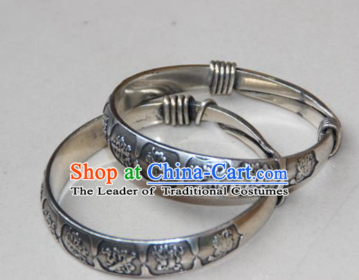 Traditional Chinese Miao Ethnic Minority Miao Silver Eight Immortals Bracelet, Hmong Handmade Bracelet Jewelry Accessories for Women
