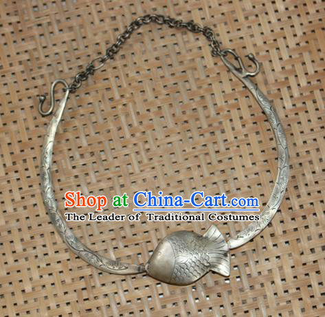 Traditional Chinese Miao Nationality Crafts Jewelry Accessory, Hmong Handmade Miao Silver Fish Collar, Miao Ethnic Minority Palace Silver Necklace for Women