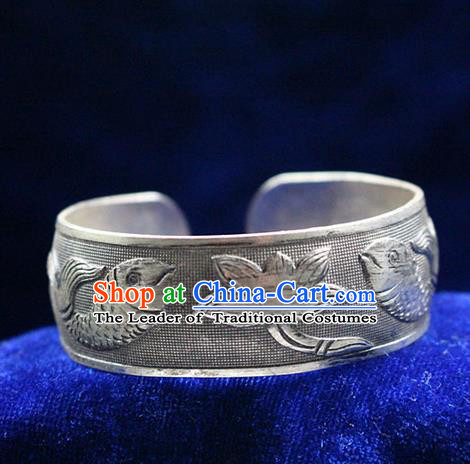 Traditional Chinese Miao Nationality Crafts Jewelry Accessory Bangle, Hmong Handmade Miao Silver Fish Bracelet, Miao Ethnic Minority Silver Wide Bracelet Accessories for Women