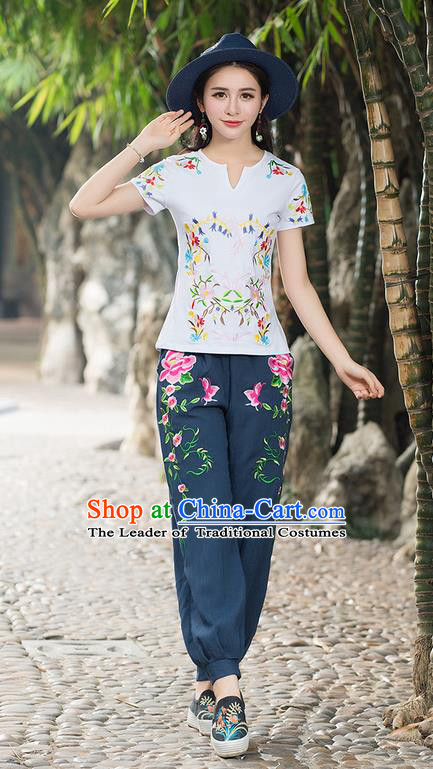 Traditional Chinese National Costume, Elegant Hanfu Embroidery Flowers White T-Shirt, China Tang Suit Republic of China Chirpaur Buttons Blouse Cheong-sam Upper Outer Garment Qipao Shirts Clothing for Women