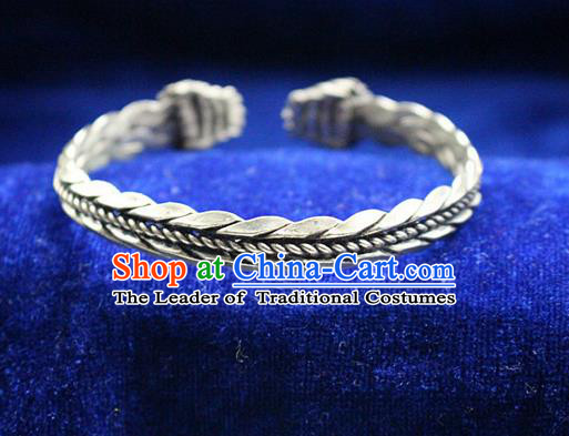 Traditional Chinese Miao Nationality Crafts Jewelry Accessory Bangle, Hmong Handmade Miao Silver Classical Dragon Bracelet, Miao Ethnic Minority Silver Bracelet Accessories for Women