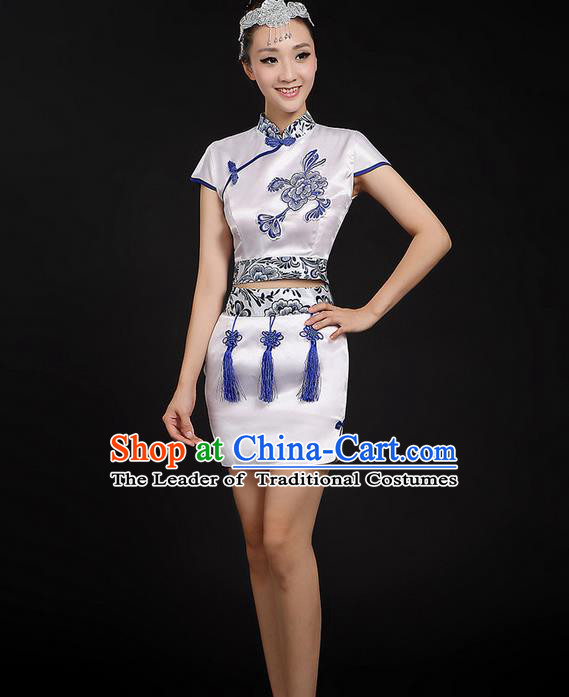Traditional Chinese Yangge Fan Dancing Costume, Folk Dance Yangko Blue and White Porcelain Flowers Uniforms, Classic Dance Short Dress Drum Dance Mandarin Collar Clothing for Women