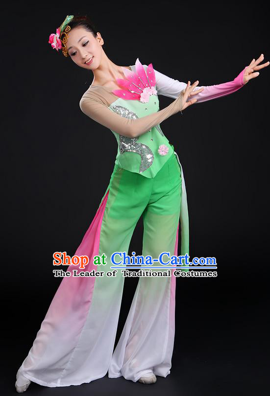 Traditional Chinese Yangge Fan Dancing Costume, Folk Dance Yangko Uniforms, Classic Dance Elegant Dress Drum Dance Paillette Lotus Green Clothing for Women