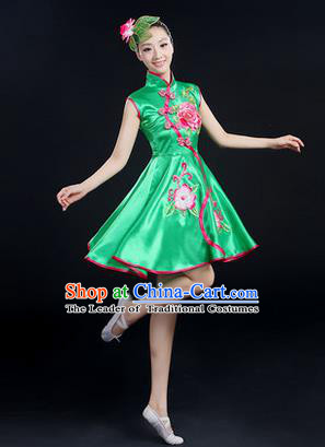 Traditional Chinese Yangge Fan Dancing Costume, Folk Dance Yangko Peony Uniforms, Classic Umbrella Dance Elegant Dress Drum Dance Green Cheongsam Clothing for Women