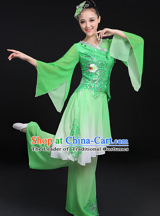 Traditional Chinese Yangge Fan Dancing Costume, Folk Dance Yangko Mandarin Sleeve Uniforms, Classic Umbrella Dance Elegant Dress Drum Dance Paillette Green Clothing for Women